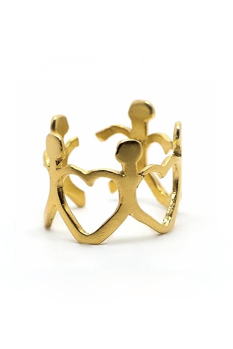 """Bague""""We are all connected"""" confectionnée en argent massif et plaquée d'or par la créatrice Dàvila."""