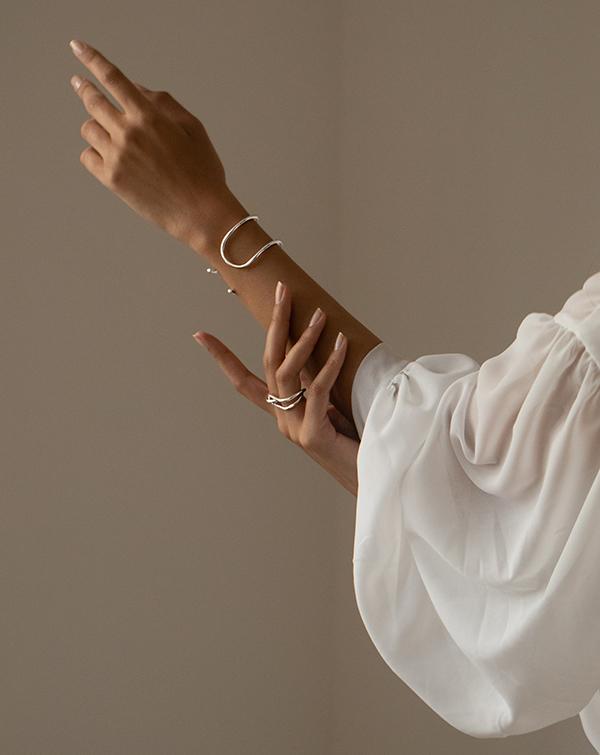 Bracelet et bague portée de la marque Mayrena Paris