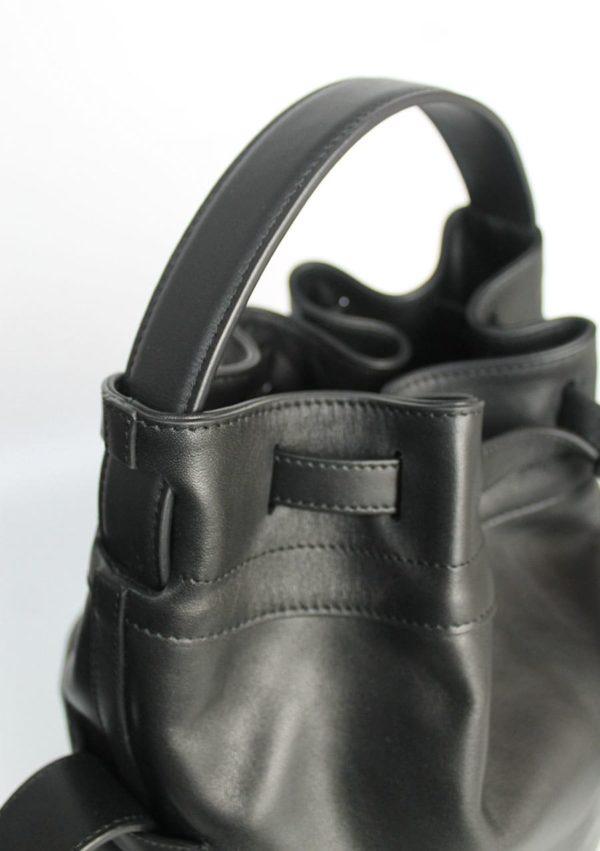 grand sac seau I cuir de veau upcyclé I 10-03-53 I vue en détail 3 I Label AÉ Paris