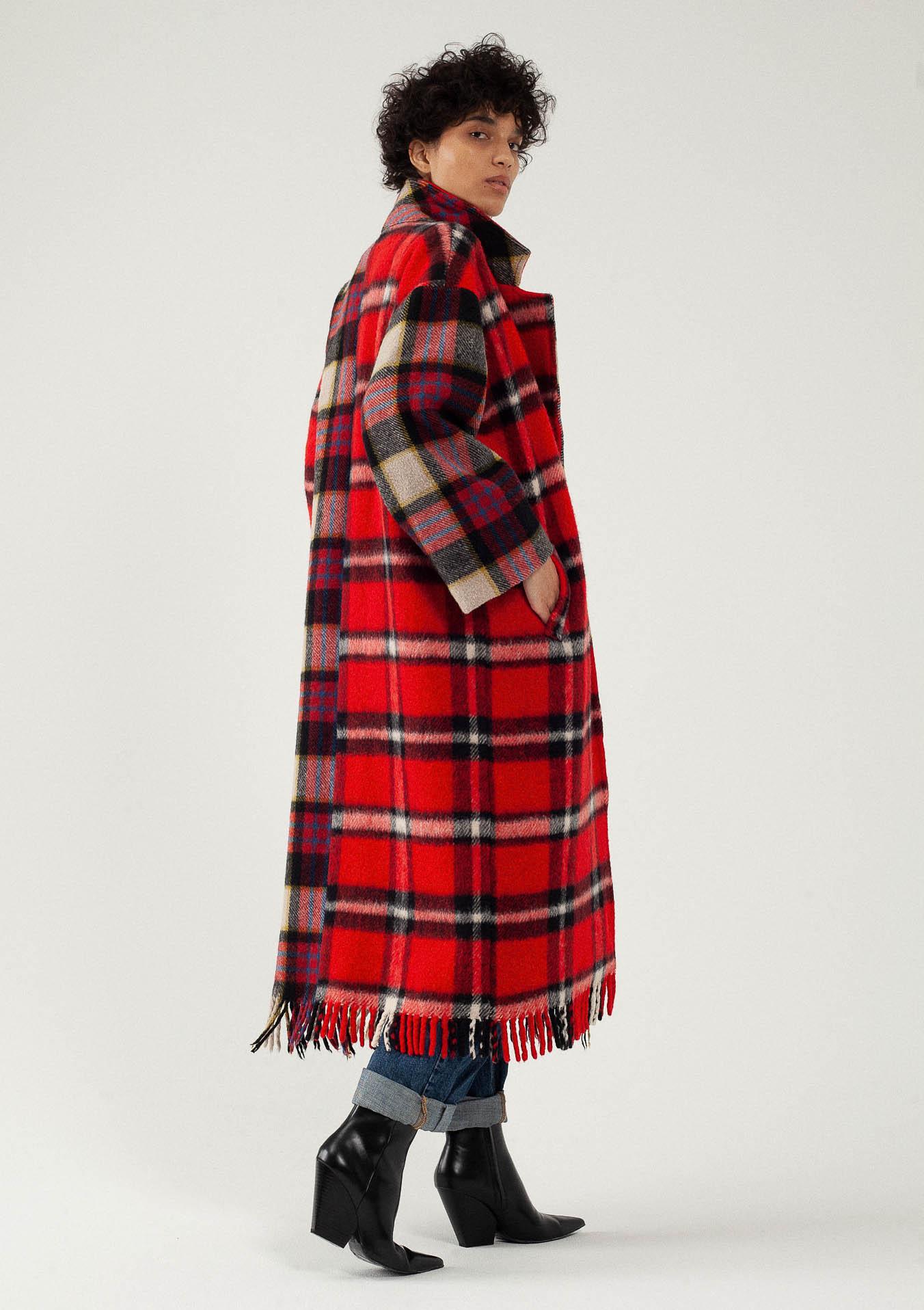 Manteau long en laine à carreaux rouges personnalisabe du créateur Tremblepierre - 4