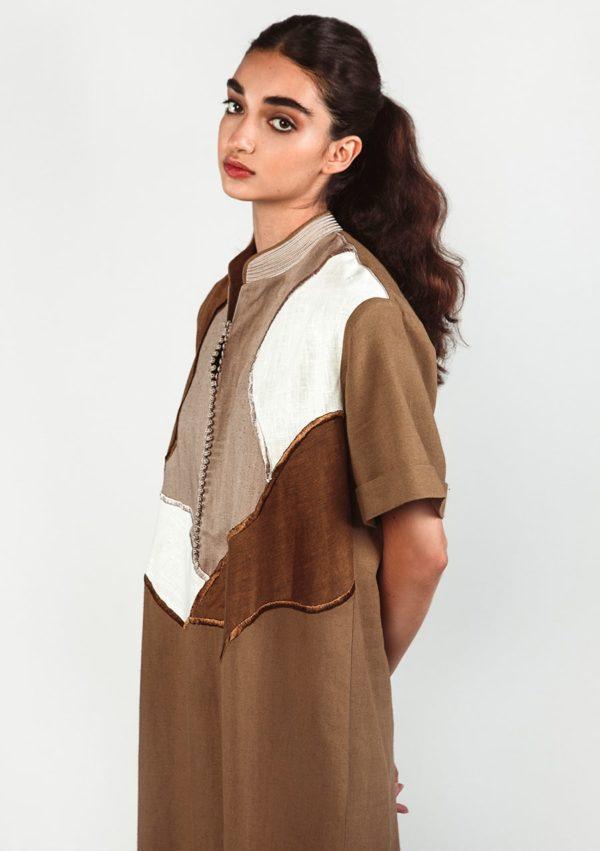 Robe caftan Sultana 1 I En lin I Vue de profil I Leïla Bousseta I Label AÉ Paris