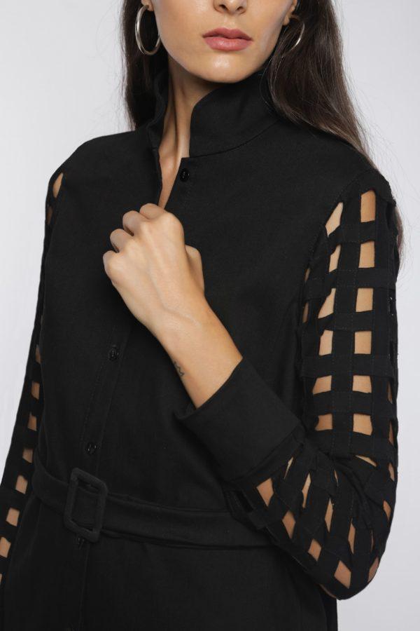 Robe chemise ajourée I En denim noir et coton I Anissa Aïda I Vue en détail I Label AÉ Paris