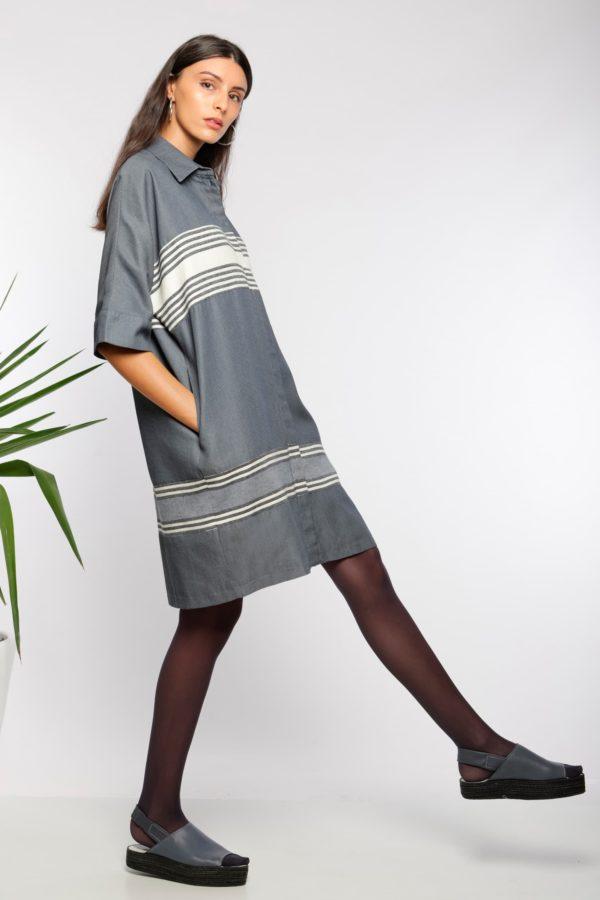 Robe chemise midi I En coton tissé à la main I Anissa Aïda I Vue de profil I Label AÉ Paris