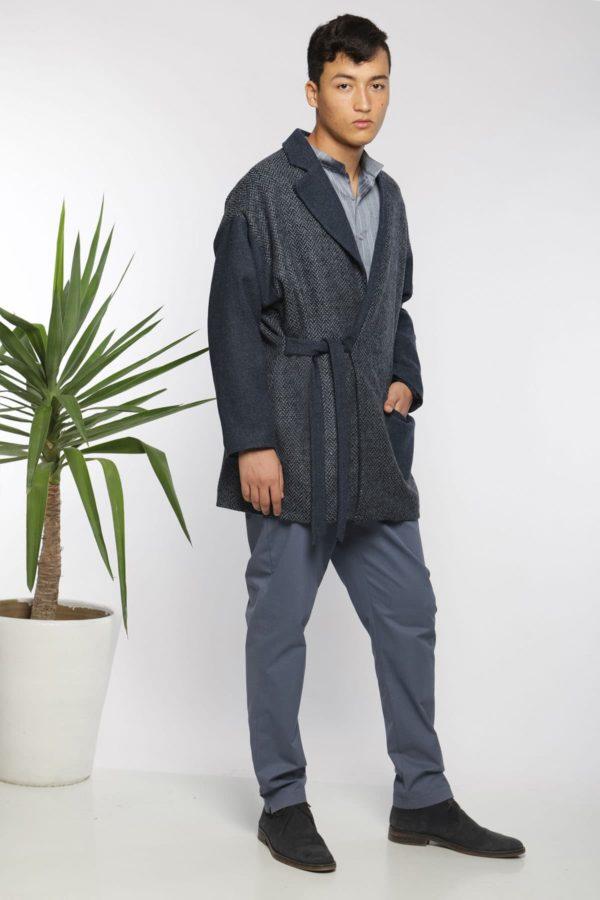 Veste-manteau portefeuille I En laine I Vue de profil 2 I Anissa Aïda I Label AÉ Paris