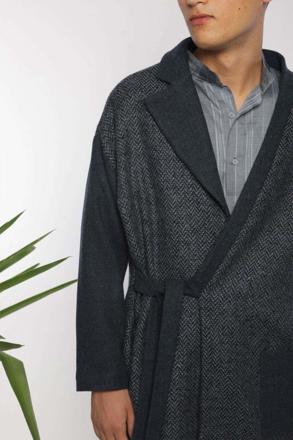 Veste-manteau portefeuille I En laine I Vue en détail I Anissa Aïda I Label AÉ Paris